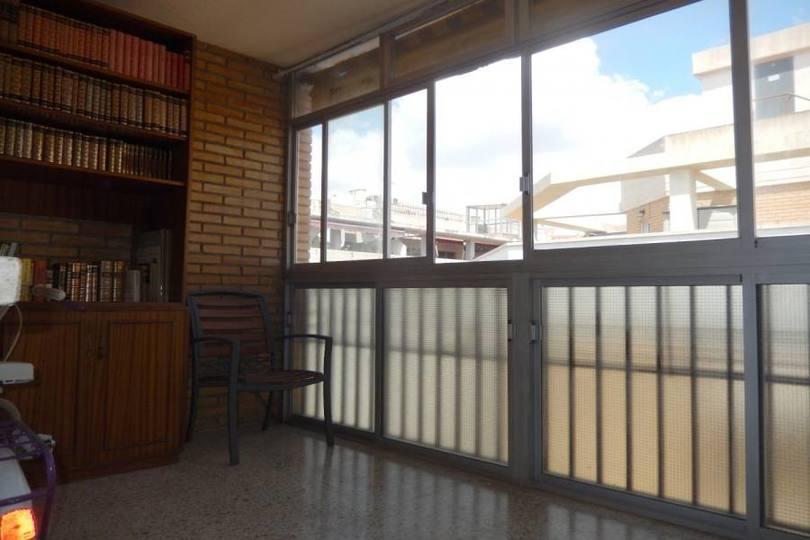 Alicante,Alicante,España,3 Bedrooms Bedrooms,2 BathroomsBathrooms,Pisos,12174