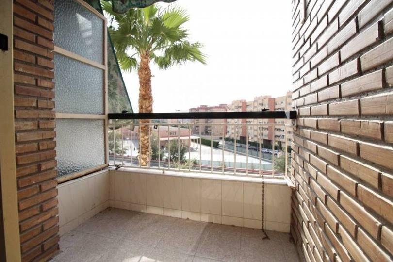 Alicante,Alicante,España,3 Bedrooms Bedrooms,1 BañoBathrooms,Pisos,12177