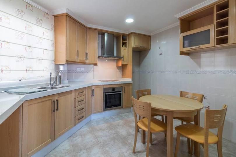 Elche,Alicante,España,4 Bedrooms Bedrooms,2 BathroomsBathrooms,Pisos,12297