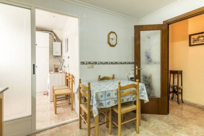 Elche,Alicante,España,3 Bedrooms Bedrooms,1 BañoBathrooms,Pisos,12322