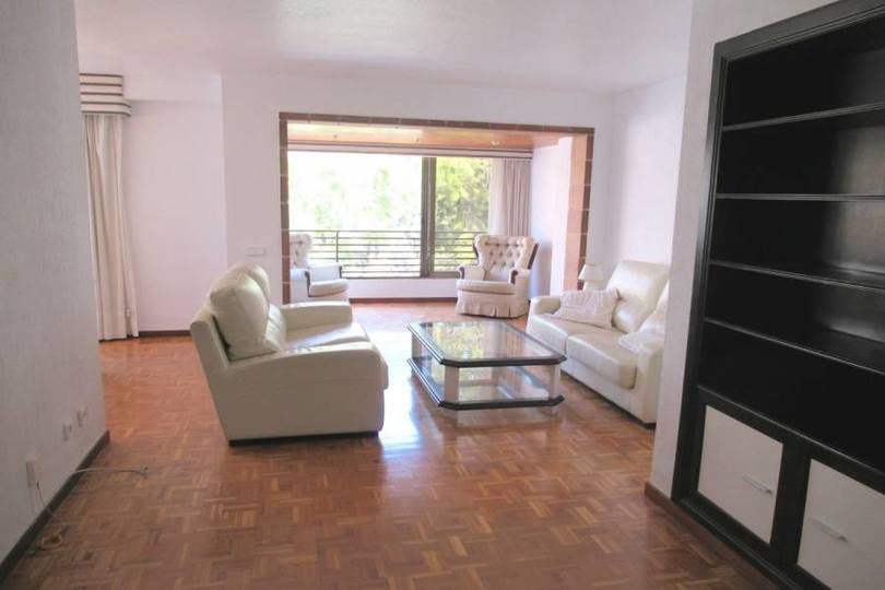Alicante,Alicante,España,4 Bedrooms Bedrooms,2 BathroomsBathrooms,Pisos,12485