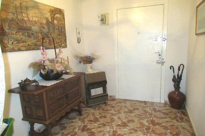 Alicante,Alicante,España,4 Bedrooms Bedrooms,1 BañoBathrooms,Pisos,12486