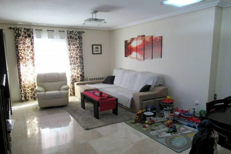 Alicante,Alicante,España,3 Bedrooms Bedrooms,2 BathroomsBathrooms,Pisos,12488