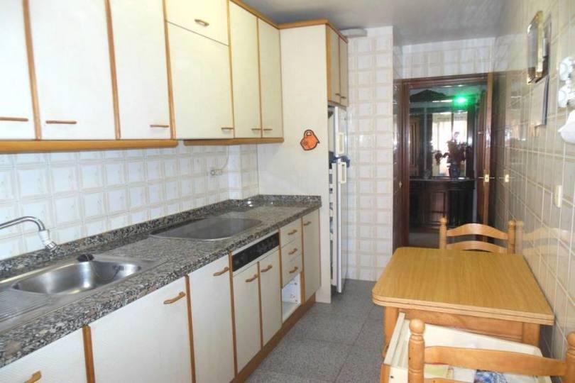 Alicante,Alicante,España,4 Bedrooms Bedrooms,2 BathroomsBathrooms,Pisos,12494