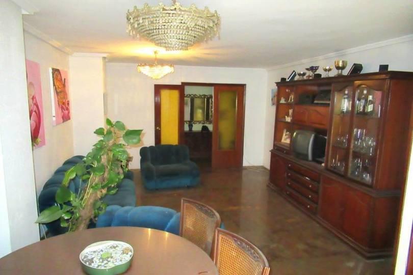 Alicante,Alicante,España,4 Bedrooms Bedrooms,2 BathroomsBathrooms,Pisos,12499