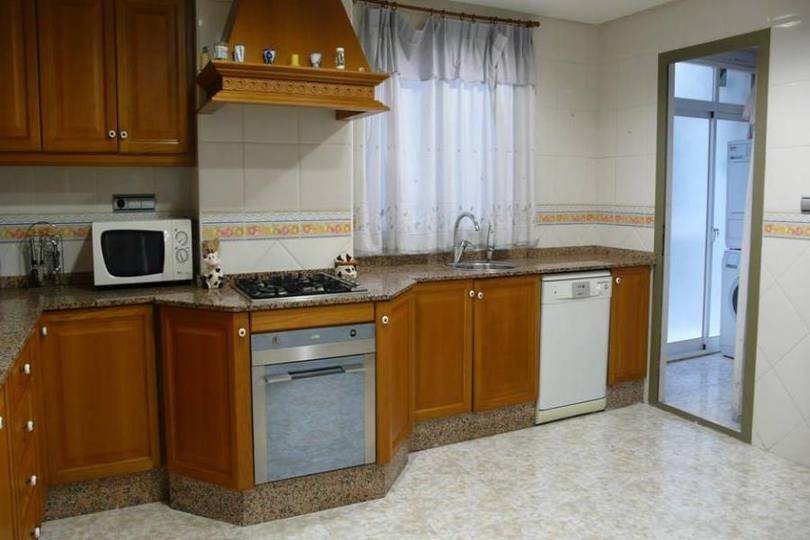 Elche,Alicante,España,4 Bedrooms Bedrooms,2 BathroomsBathrooms,Pisos,12553
