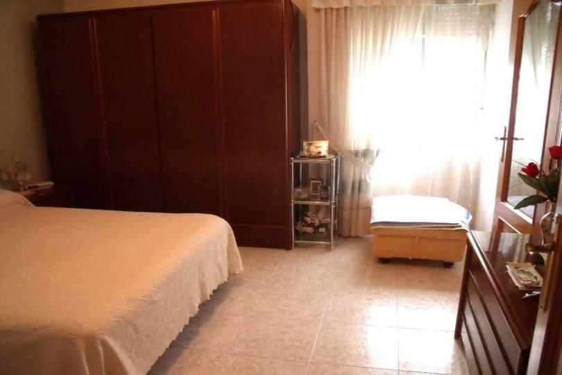 Alicante,Alicante,España,4 Bedrooms Bedrooms,2 BathroomsBathrooms,Pisos,12587