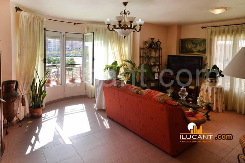 Alicante,Alicante,España,3 Bedrooms Bedrooms,2 BathroomsBathrooms,Pisos,12590