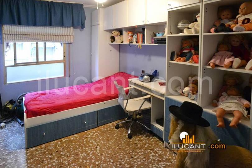 Alicante,Alicante,España,4 Bedrooms Bedrooms,2 BathroomsBathrooms,Pisos,12592