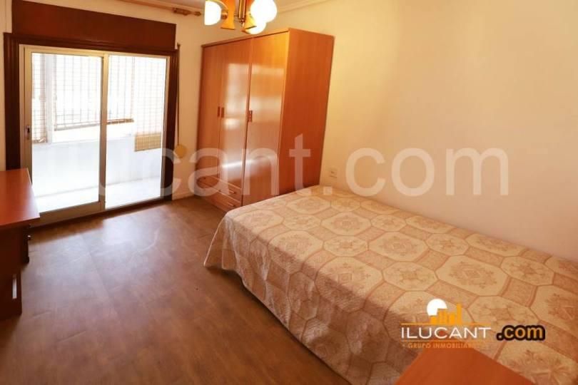Alicante,Alicante,España,3 Bedrooms Bedrooms,1 BañoBathrooms,Pisos,12595