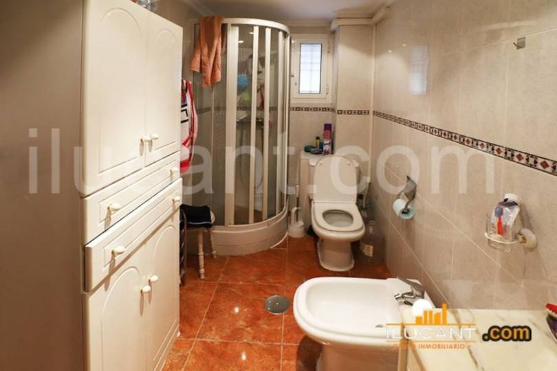 Alicante,Alicante,España,3 Bedrooms Bedrooms,1 BañoBathrooms,Pisos,12599