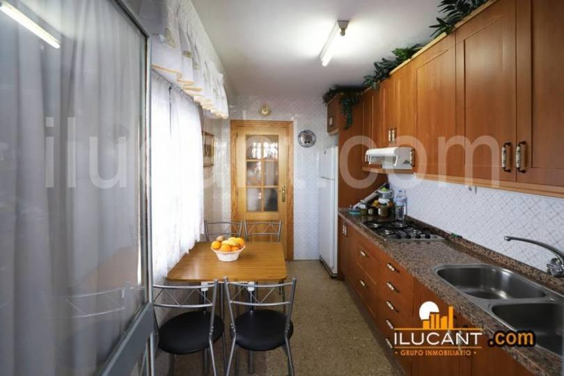 Alicante,Alicante,España,3 Bedrooms Bedrooms,1 BañoBathrooms,Pisos,12601