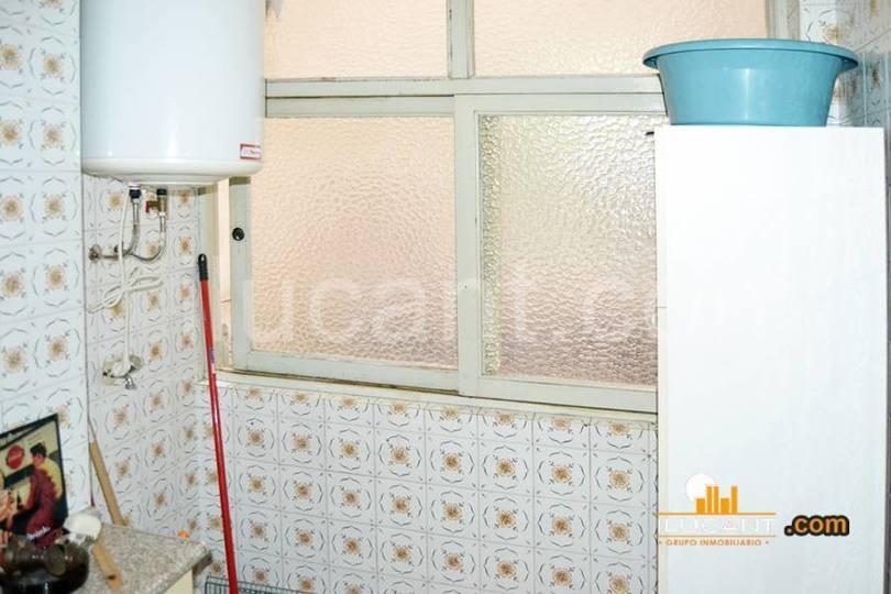 Alicante,Alicante,España,3 Bedrooms Bedrooms,1 BañoBathrooms,Pisos,12605