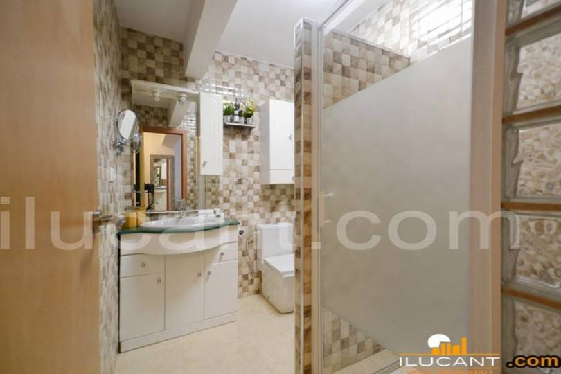 Alicante,Alicante,España,3 Bedrooms Bedrooms,2 BathroomsBathrooms,Pisos,12606