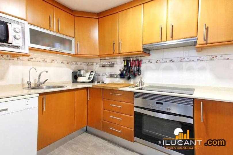Alicante,Alicante,España,3 Bedrooms Bedrooms,2 BathroomsBathrooms,Pisos,12607