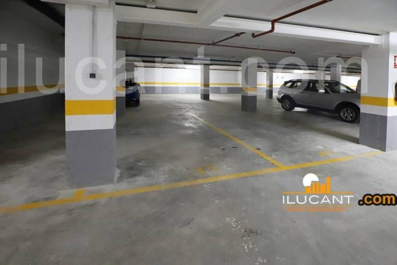 Alicante,Alicante,España,4 Bedrooms Bedrooms,2 BathroomsBathrooms,Pisos,12611