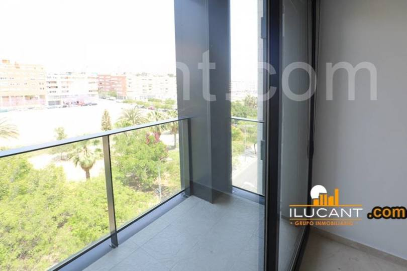 Alicante,Alicante,España,3 Bedrooms Bedrooms,2 BathroomsBathrooms,Pisos,12612