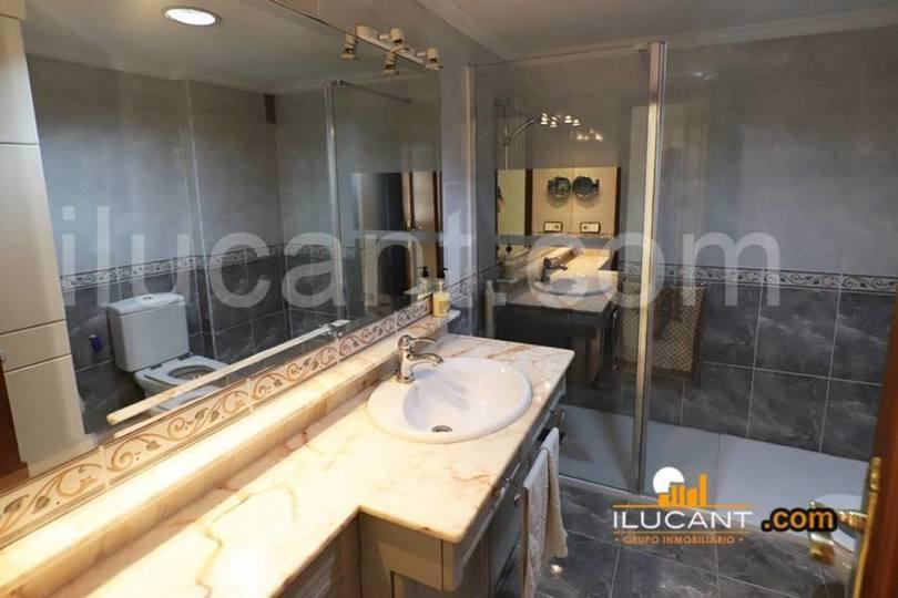 Alicante,Alicante,España,3 Bedrooms Bedrooms,2 BathroomsBathrooms,Pisos,12613