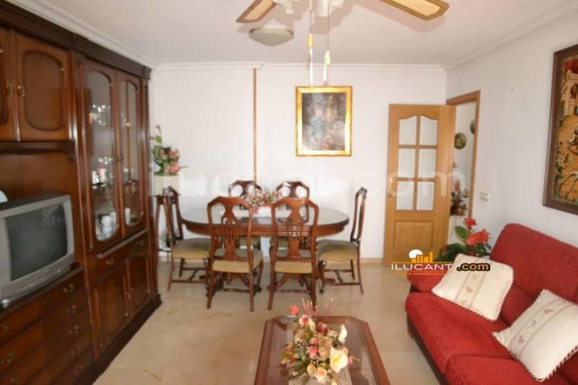 Alicante,Alicante,España,3 Bedrooms Bedrooms,2 BathroomsBathrooms,Pisos,12618