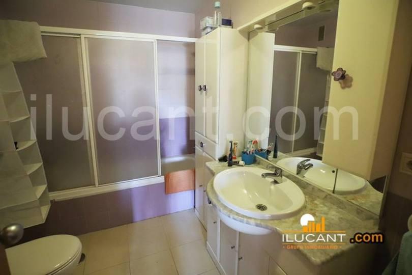 Alicante,Alicante,España,3 Bedrooms Bedrooms,2 BathroomsBathrooms,Pisos,12620