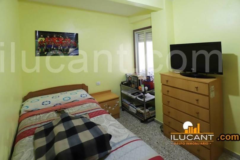 Alicante,Alicante,España,3 Bedrooms Bedrooms,1 BañoBathrooms,Pisos,12631