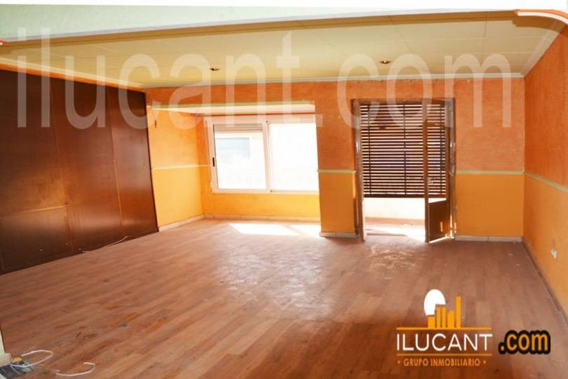 Alicante,Alicante,España,4 Bedrooms Bedrooms,2 BathroomsBathrooms,Pisos,12632