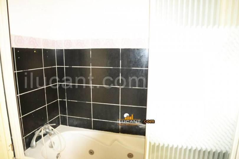 Alicante,Alicante,España,4 Bedrooms Bedrooms,2 BathroomsBathrooms,Pisos,12632