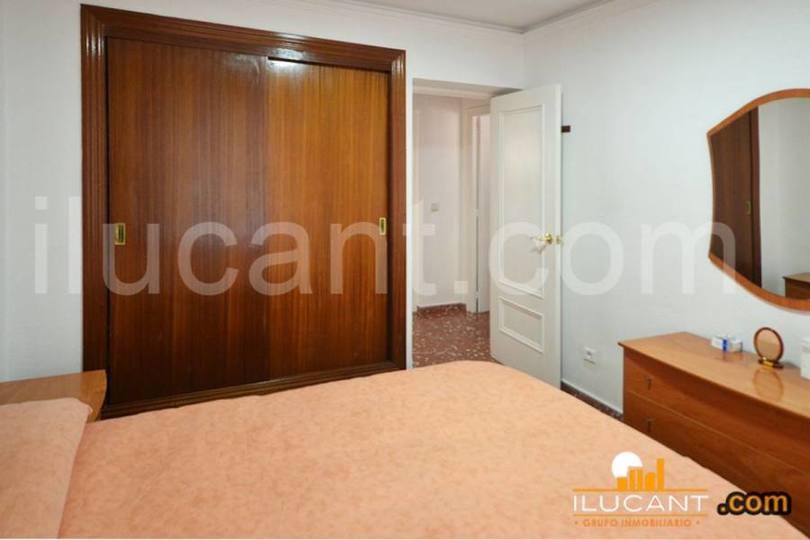 Alicante,Alicante,España,3 Bedrooms Bedrooms,1 BañoBathrooms,Pisos,12635