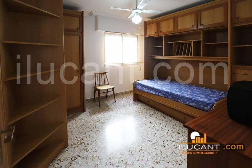 Alicante,Alicante,España,3 Bedrooms Bedrooms,2 BathroomsBathrooms,Pisos,12636