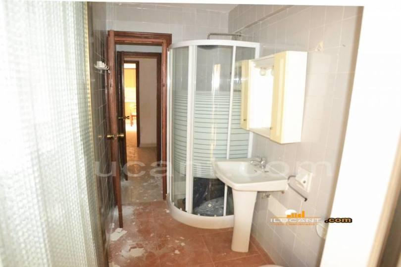 Alicante,Alicante,España,3 Bedrooms Bedrooms,2 BathroomsBathrooms,Pisos,12638