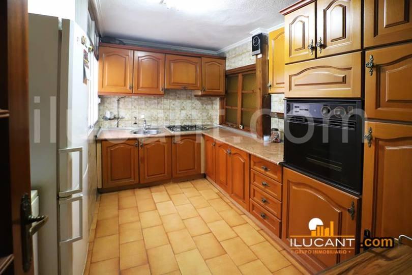 Alicante,Alicante,España,3 Bedrooms Bedrooms,1 BañoBathrooms,Pisos,12643