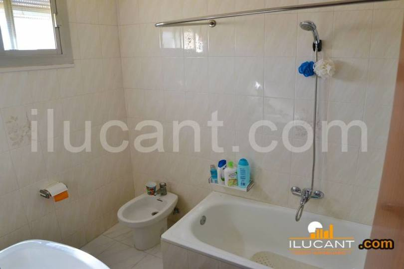 Alicante,Alicante,España,3 Bedrooms Bedrooms,1 BañoBathrooms,Pisos,12645