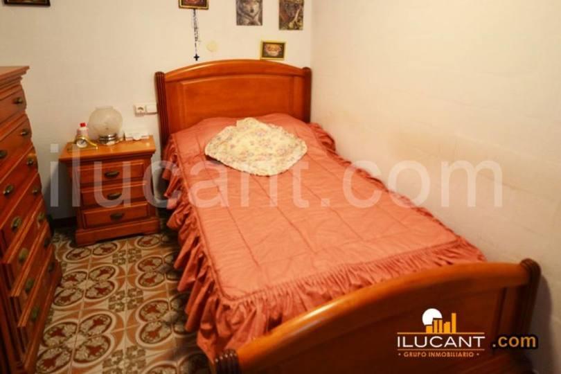 Alicante,Alicante,España,3 Bedrooms Bedrooms,1 BañoBathrooms,Pisos,12646