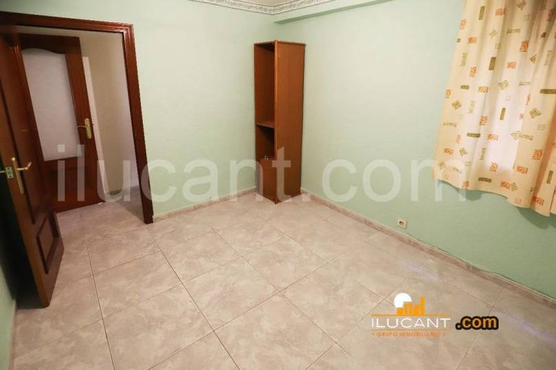 Alicante,Alicante,España,3 Bedrooms Bedrooms,1 BañoBathrooms,Pisos,12656