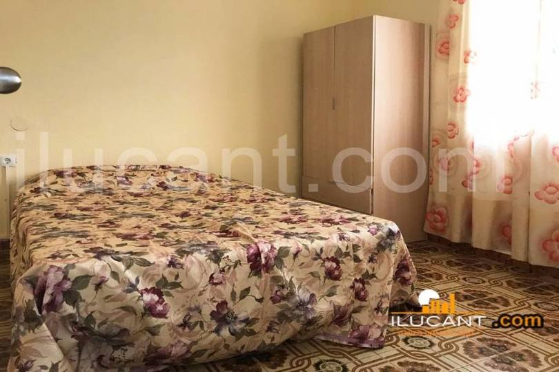 Alicante,Alicante,España,3 Bedrooms Bedrooms,1 BañoBathrooms,Pisos,12658