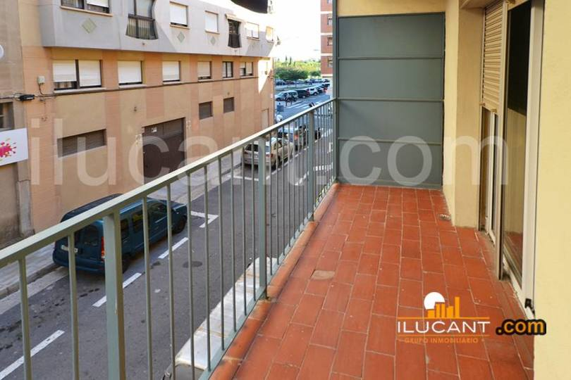 Alicante,Alicante,España,3 Bedrooms Bedrooms,1 BañoBathrooms,Pisos,12661