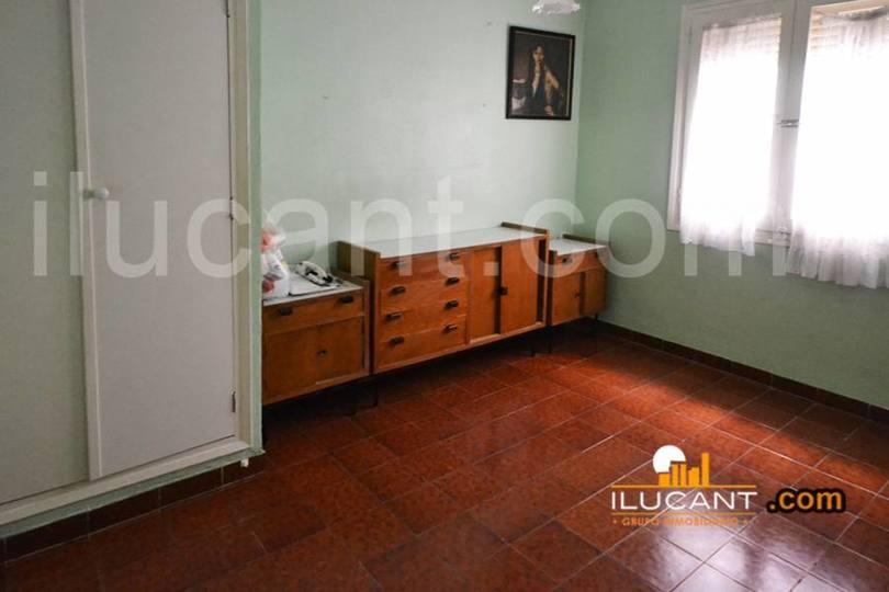 Alicante,Alicante,España,2 Bedrooms Bedrooms,1 BañoBathrooms,Pisos,12662