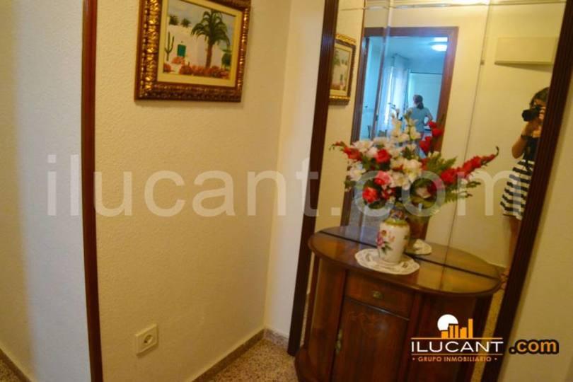 Alicante,Alicante,España,3 Bedrooms Bedrooms,2 BathroomsBathrooms,Pisos,12670