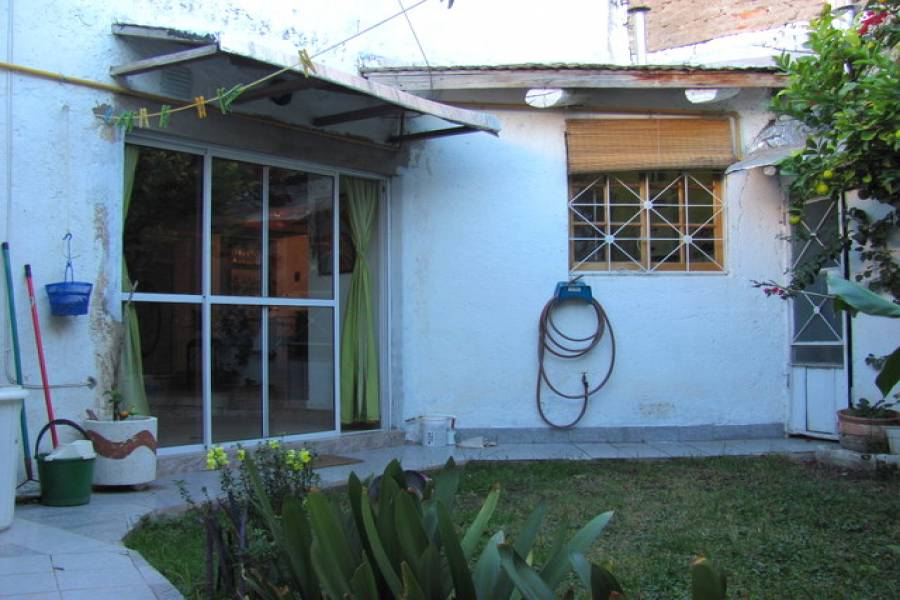 Balcarce,San Luis,3 Habitaciones Habitaciones,2 BañosBaños,Casas,1098