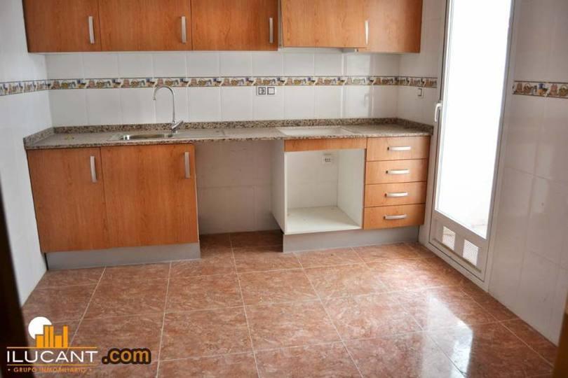 Alicante,Alicante,España,3 Bedrooms Bedrooms,2 BathroomsBathrooms,Pisos,12672