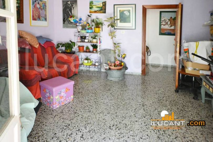 Alicante,Alicante,España,4 Bedrooms Bedrooms,1 BañoBathrooms,Pisos,12676