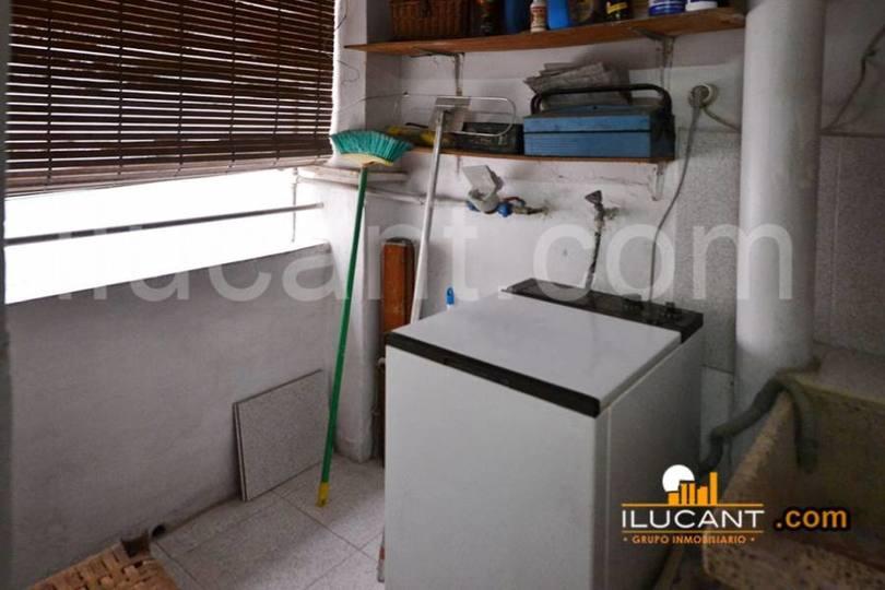 Alicante,Alicante,España,3 Bedrooms Bedrooms,1 BañoBathrooms,Pisos,12677