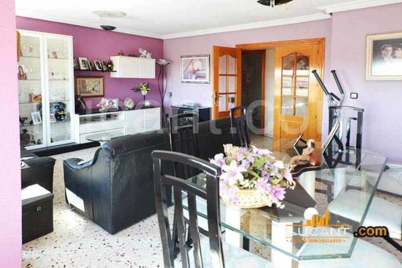 Alicante,Alicante,España,3 Bedrooms Bedrooms,2 BathroomsBathrooms,Pisos,12680