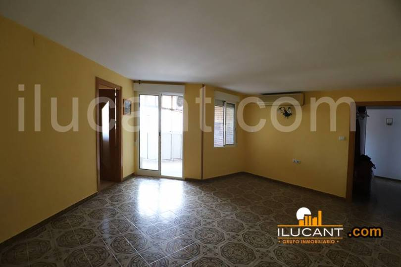 Alicante,Alicante,España,3 Bedrooms Bedrooms,1 BañoBathrooms,Pisos,12690