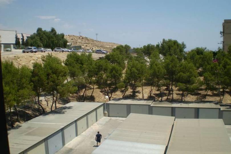 Alicante,Alicante,España,4 Bedrooms Bedrooms,1 BañoBathrooms,Pisos,12693