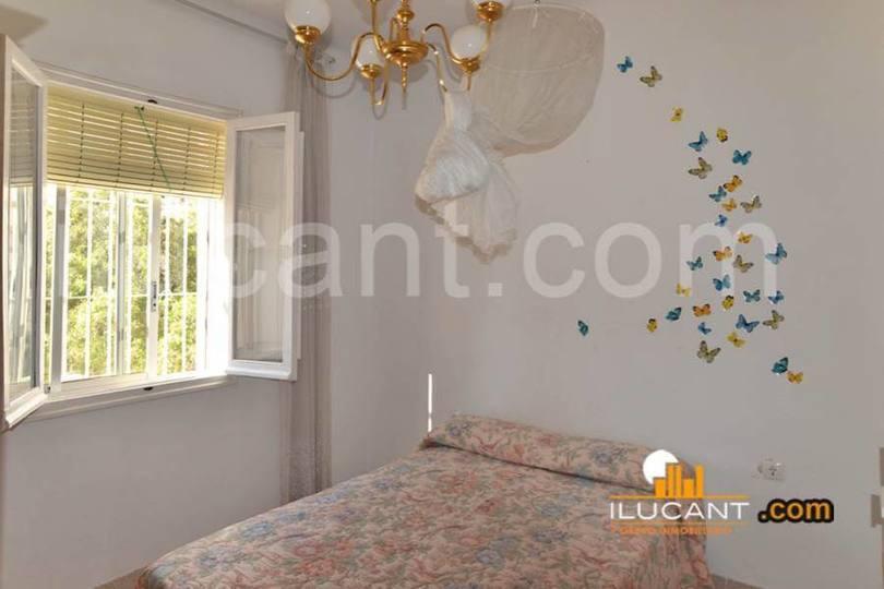 Alicante,Alicante,España,3 Bedrooms Bedrooms,1 BañoBathrooms,Pisos,12696
