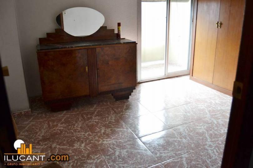 Alicante,Alicante,España,3 Bedrooms Bedrooms,1 BañoBathrooms,Pisos,12699