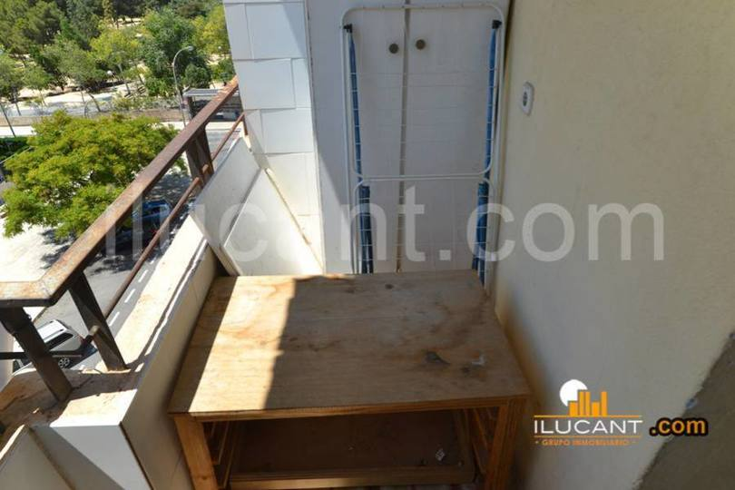 Alicante,Alicante,España,3 Bedrooms Bedrooms,1 BañoBathrooms,Pisos,12714