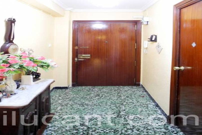 Alicante,Alicante,España,3 Bedrooms Bedrooms,1 BañoBathrooms,Pisos,12715