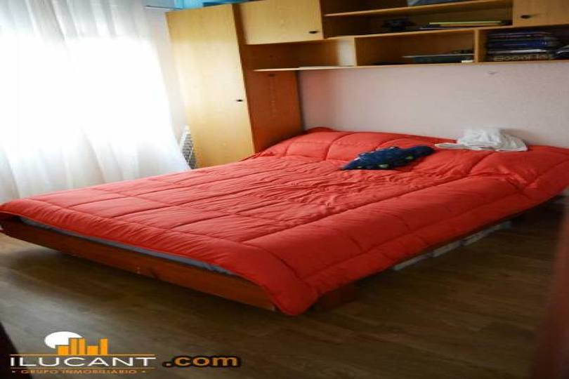 Alicante,Alicante,España,3 Bedrooms Bedrooms,1 BañoBathrooms,Pisos,12720